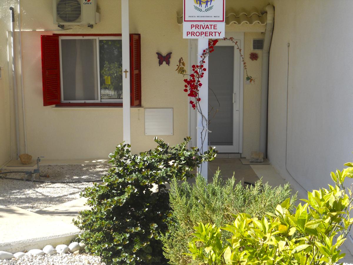 Трехкомнатные апартаменты в Корал Бэй