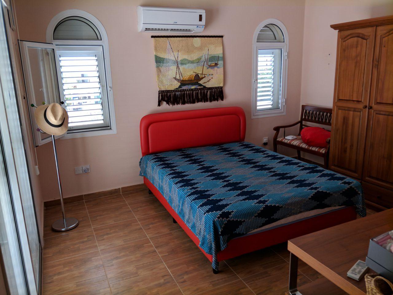 Спальня номер три